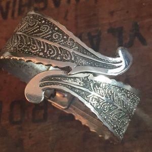 Silver Floral hand cuff bracelet